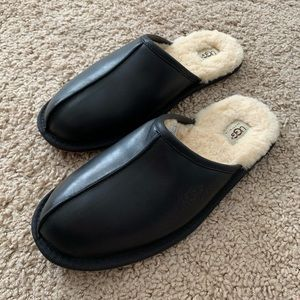UGG Leather Scuff Slippers Men's Black Shearling
